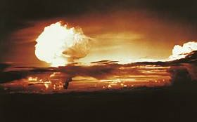Inertial Confinement Fusion Demonstrated In The Hydrogen Bomb Bikini Atoll 31 Oct 1952 - iStockPhoto