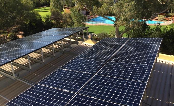 iAltEnergy alternative energy in action at Uluru, Australia's heartland.  Run on sun-based fusion solar energy.